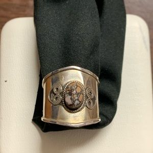 Jewelry - Silver metal and stone ring